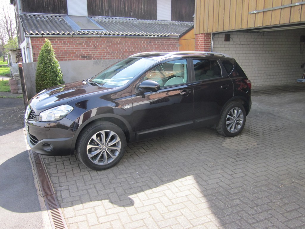 nissan qashqai tekna 2 0 l otto benzin bj 2012 details. Black Bedroom Furniture Sets. Home Design Ideas