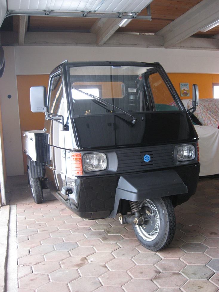 piaggio ape tm 703 zweitakt 218 ccm bj 2014 details. Black Bedroom Furniture Sets. Home Design Ideas
