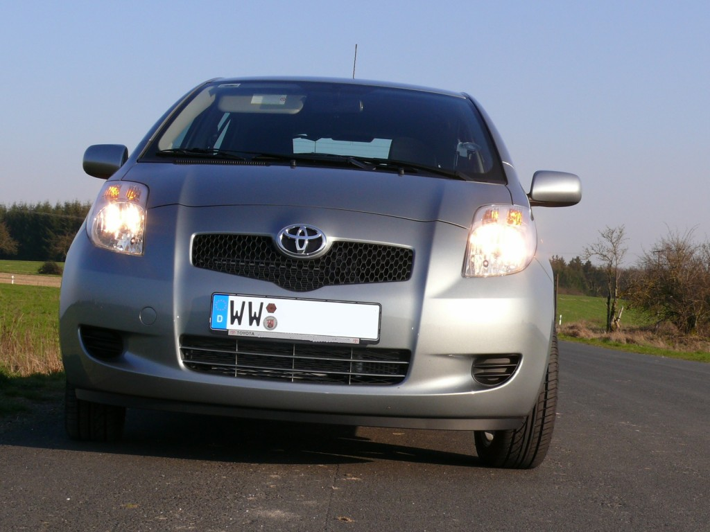toyota yaris ii sol 5 t rer diesel 4 zylinder reihenmotor bj 2007 details. Black Bedroom Furniture Sets. Home Design Ideas